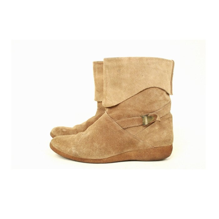 size 7 light brown suede ankle boots 37 5 by santokivintage