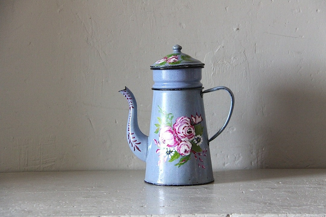 Pretty French Enamel Coffee Pot 1940s Floral - maintenant