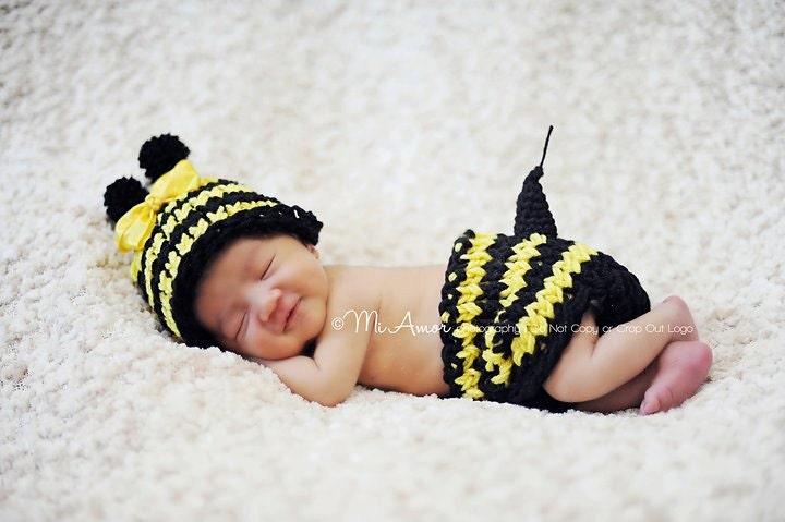 گوردون براون می تواند وزوز. چگونه در مورد شما خواهد شد. آیا می توانید وزوز.... تعظیم کوچک قابل جابجایی زنبورعسل کلاه زرد و مطابق پوشش پوشک با استینگر