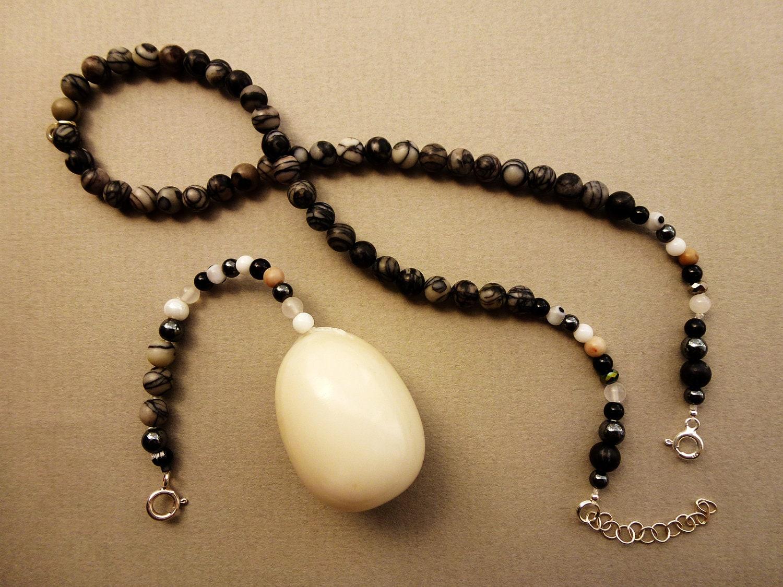 Mia  - erotic jewelry BenWa Egg Pendant for Mature Feminine Muscles Fun