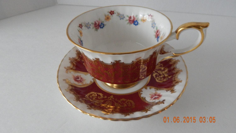Dating Royal Albert Bone China