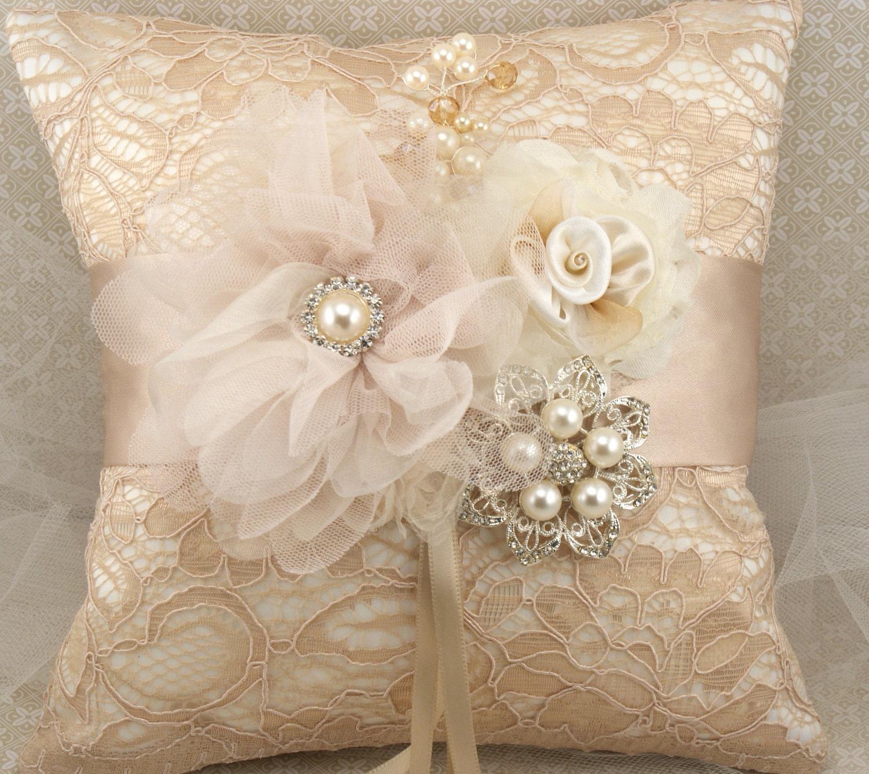 مخدات العروس il_570xN.310746989.jpg