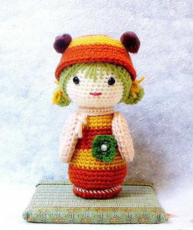 Amigurumi Kokeshi Pattern : B Bee Crochet Amigurumi Kokeshi doll pattern / PDF by TGLDdoll