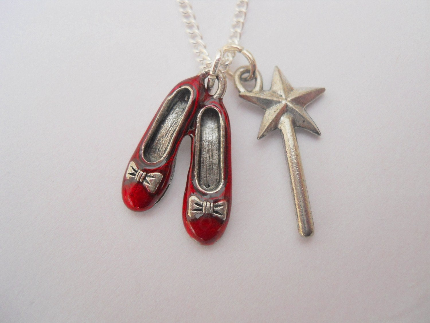 thesis on wizard of oz ruby or silver shoes The rise and fall of the wonderful wizard of oz dorothy's silver slippers (judy garland's were ruby the most extensive treatment of the littlefield thesis is.