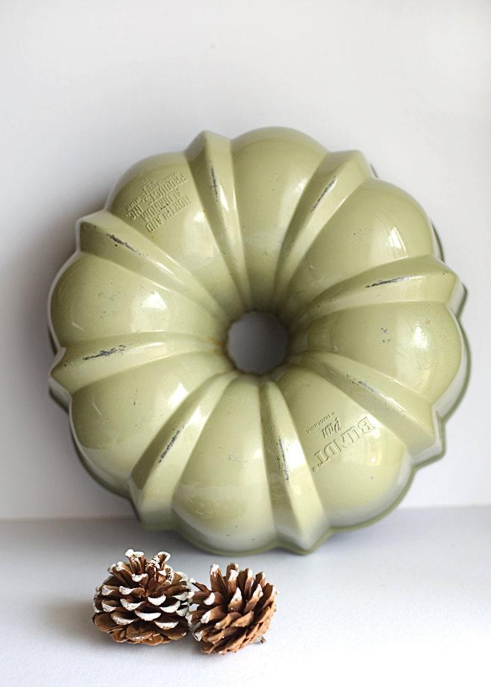 Bundt Pan Heavy Cast Aluminum Baking Cake Teflon By