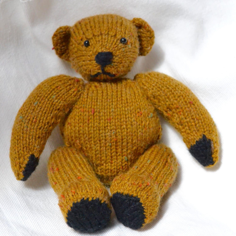 Knitted teddy bears
