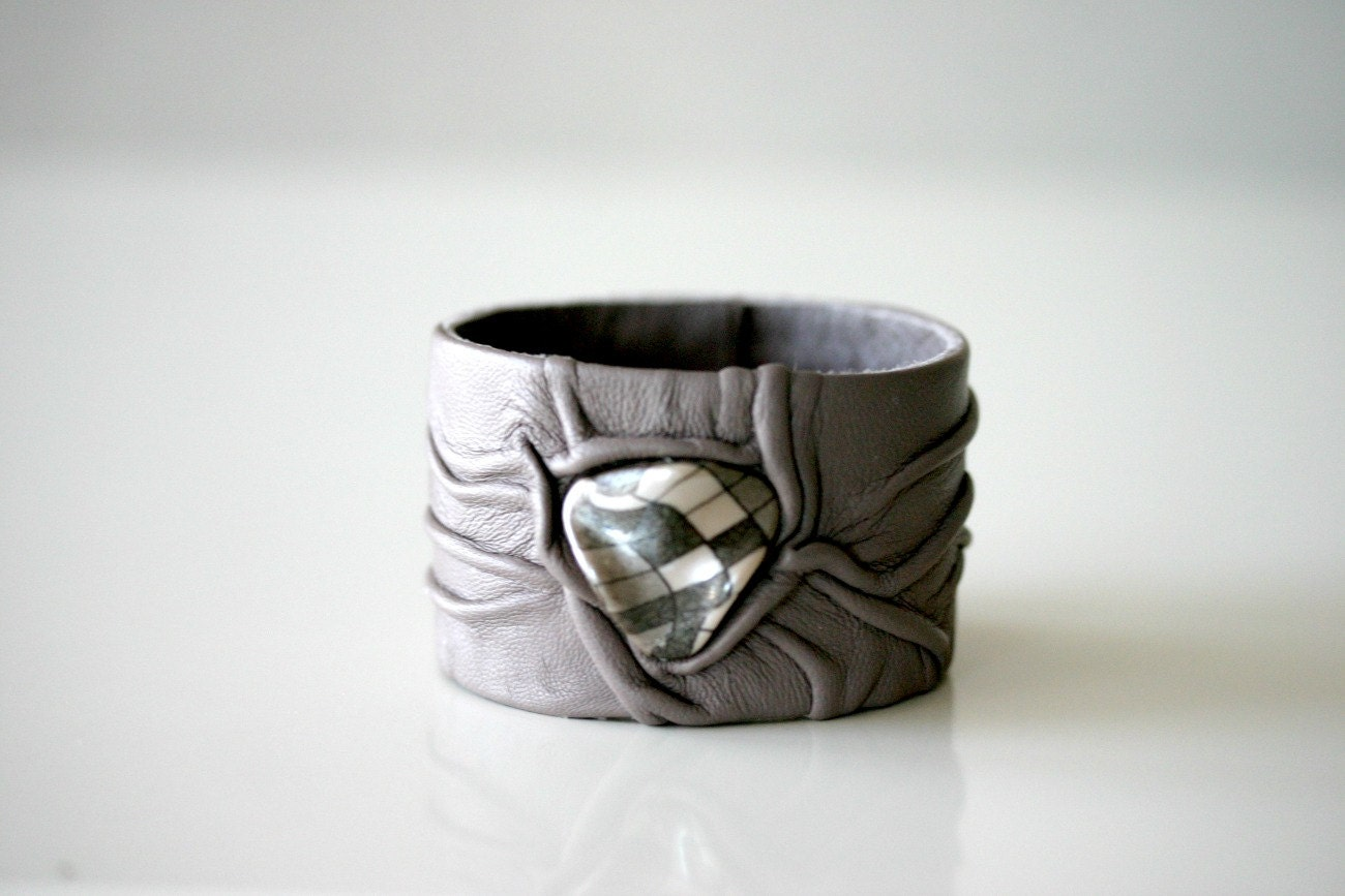 Leather Wristband, Cuff, wrinkled leather, driftwood grey - PrettyViolets