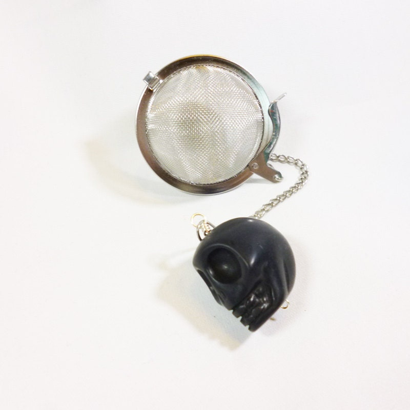 Tea Infuser with Black Skull Charm - DryadTea