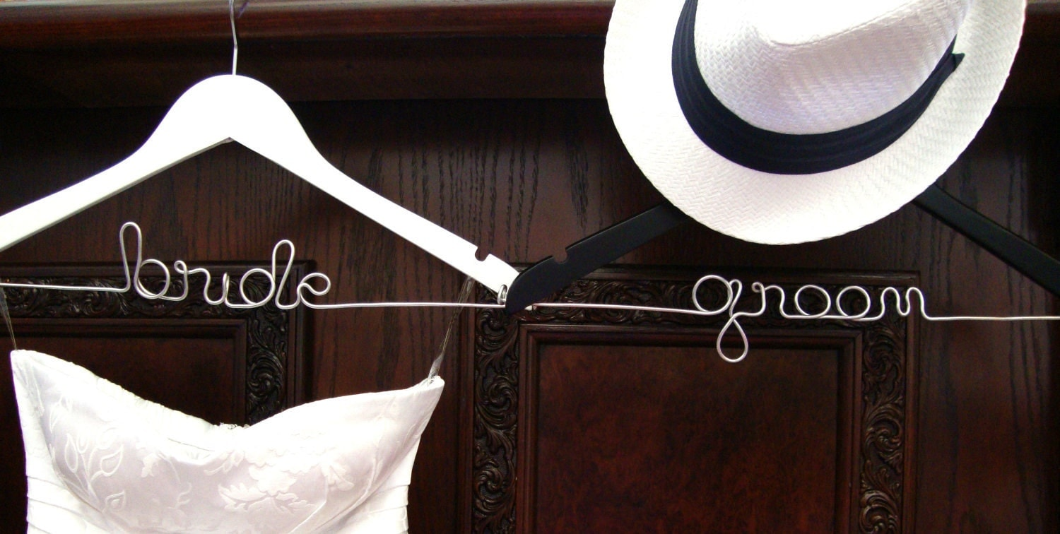 BRIDE & GROOM Bridal Hanger Set