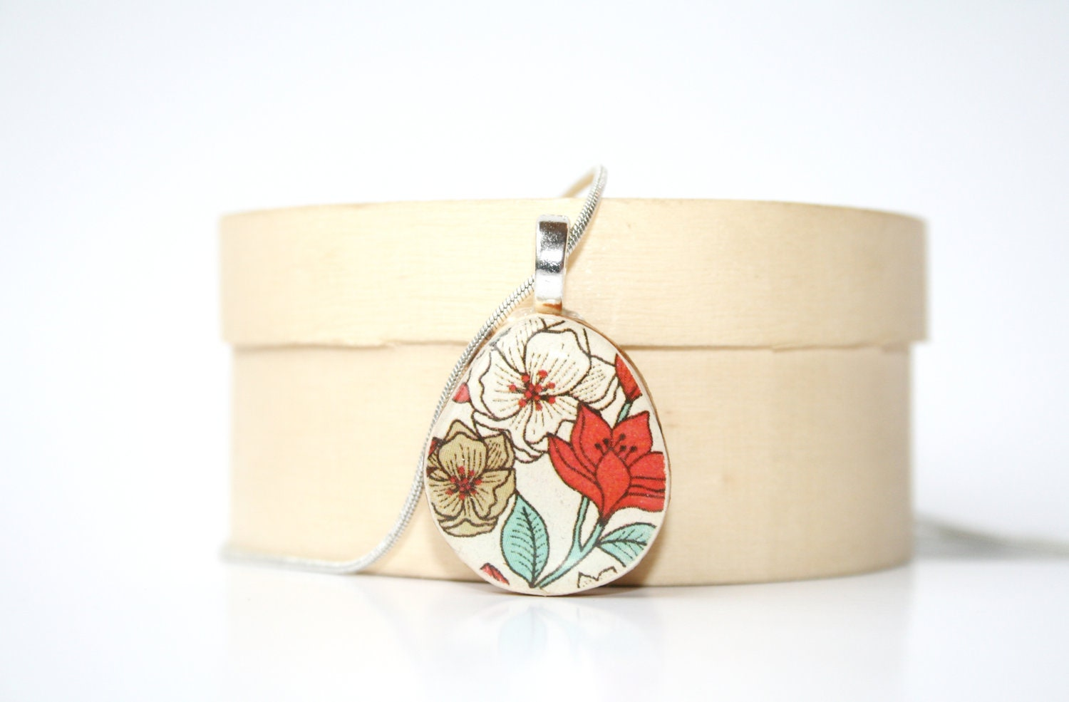 Mod Flower Pendant necklace fall jewelry floral boho delicate jewelry wood pendant eco friendly jewelry wood jewelry