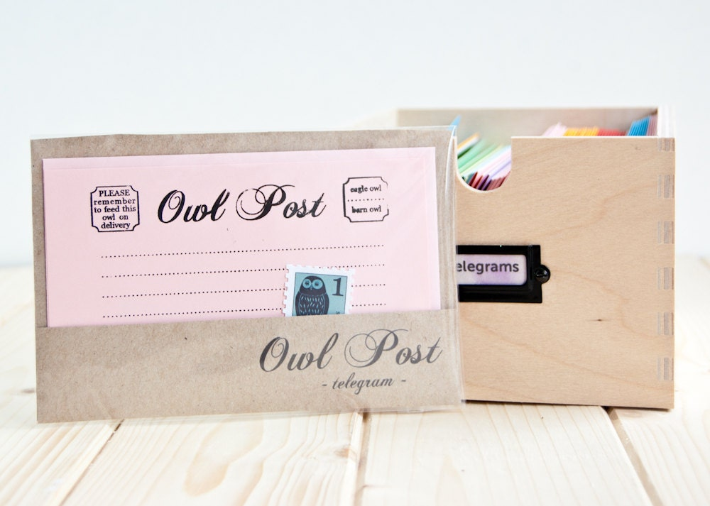 Owl Post Stationery - One Gocco Printed Flat Note and Envelope - celestefrittata