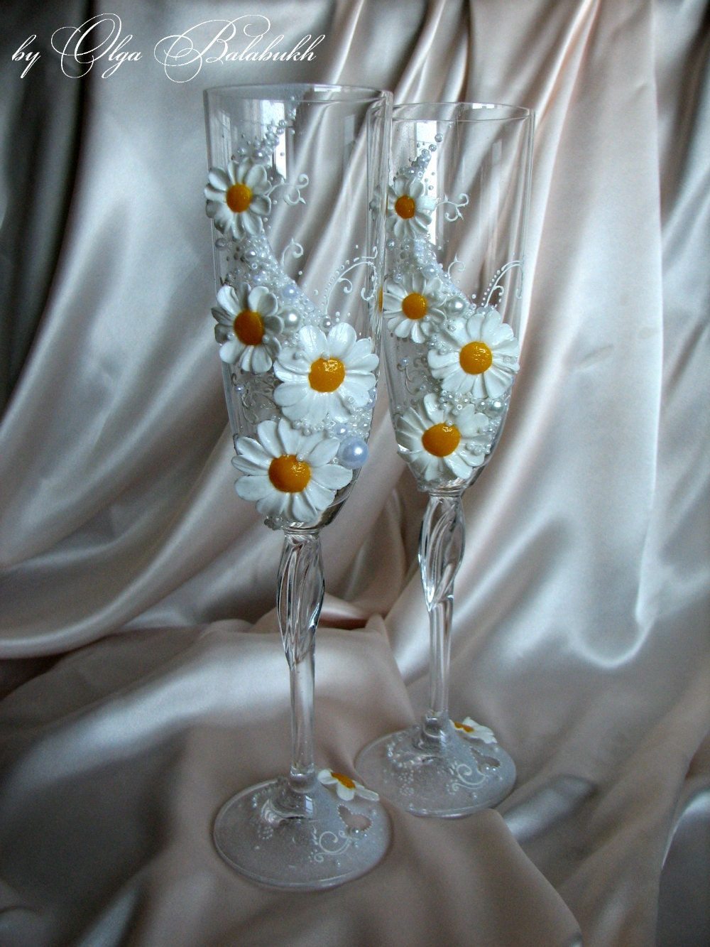 Two Hand Decorated Wedding Champagne Glasses Daisy By ArtsLux