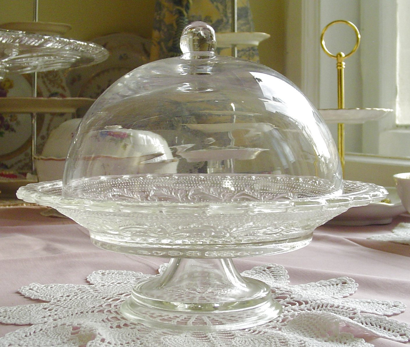 blown glass dome cloche for pedestal cake stand by. Black Bedroom Furniture Sets. Home Design Ideas