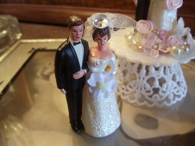 Miniature Wedding Cake Topper Vintage Style Bride With Veil Groom Wearing