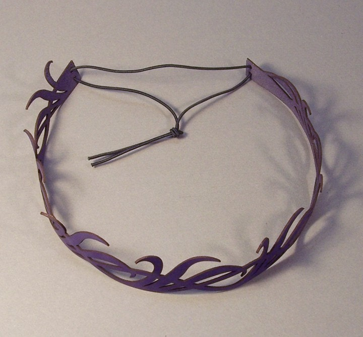 Long leaves headwreath in violet leather