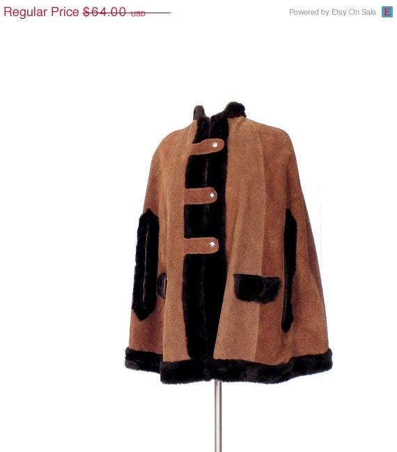 20% off sale Vintage Suede Cape / Zhivago Cape / Faux Fur Trim / M L XL