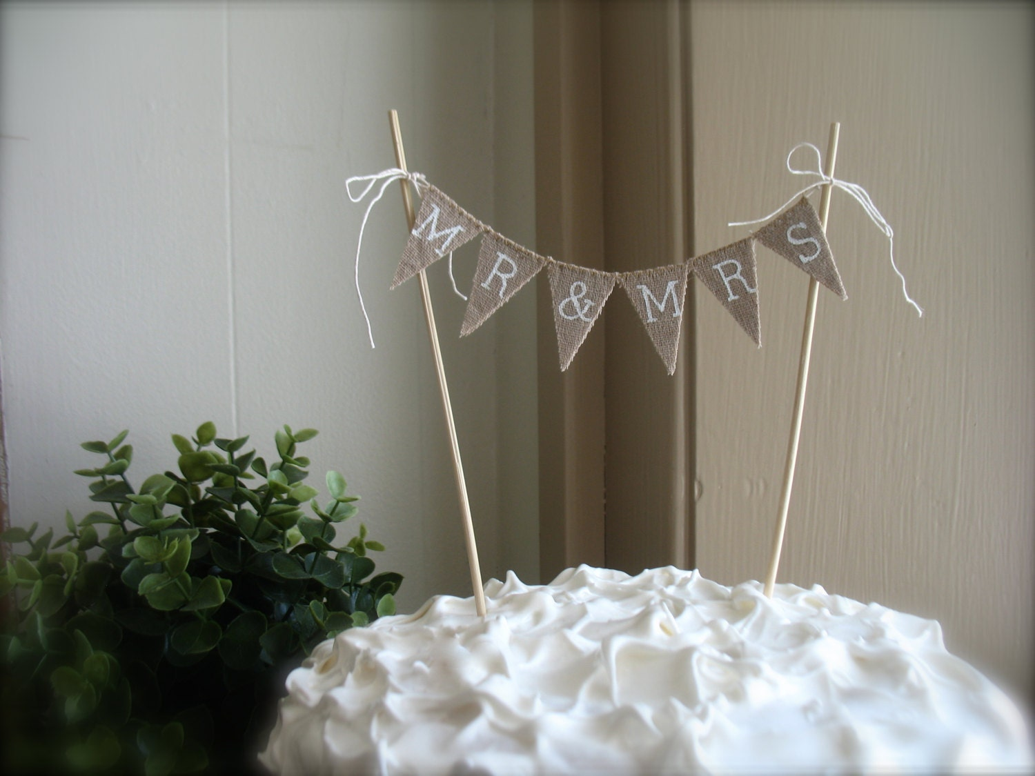 Mr. & Mrs. Wedding Cake Topper in tea dyed Cotton and white lettering, baker banner, cake banner, hearts, pie toppr