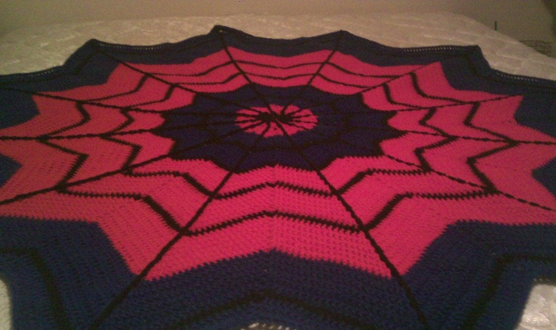 Crochet Pattern For Spiderman Blanket : Spiderman Crochet Blanket Pattern PDF by kaoskookiez on Etsy