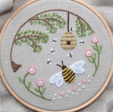 Bee's World Crewel Embroidery Kit
