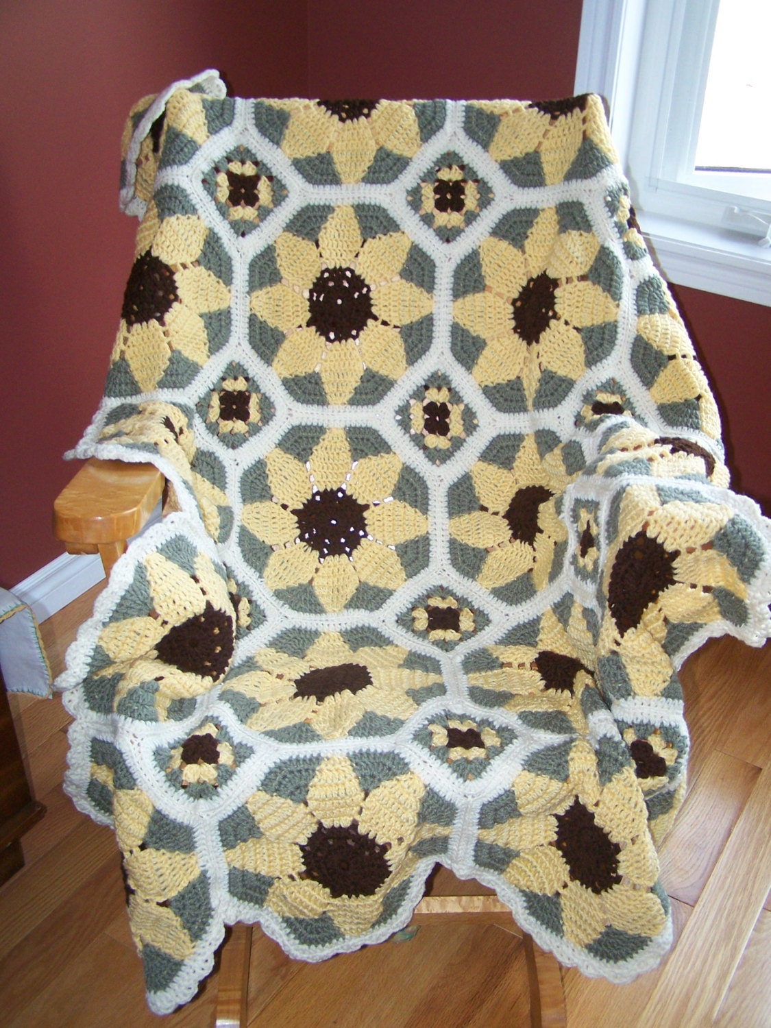 New Crocheted Sunflower Afghan by hookinontheside on Etsy