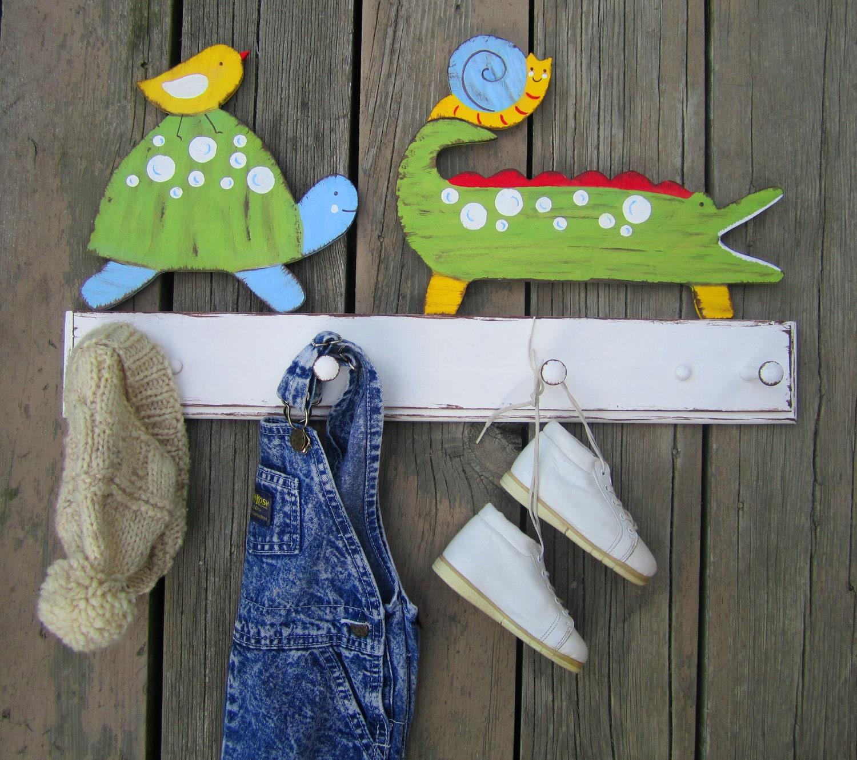 Веселая одежда Зубастики Стойка Пальто Дети Керамика Barn Вдохновленный экологию древесины Storytime АРТ