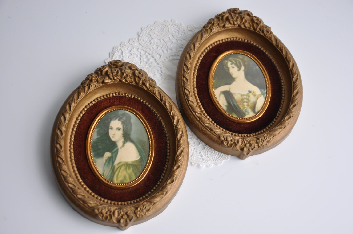 Victorian Cameo Portrait Plaque Victorian Decor Gold Rose Frame - rustandreliques