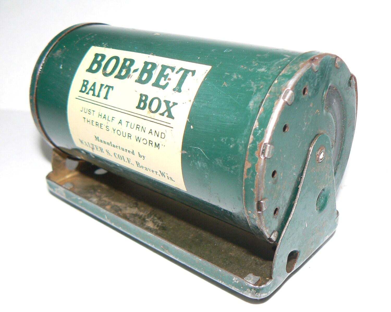 Vintage fishing worm bob bet bait box tackle by krausehaus for Fishing worm box