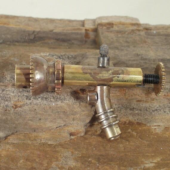 Dr. Faraldo's Steampunk Ray Gun - TR2301 - Miniature - ShellsNStuff