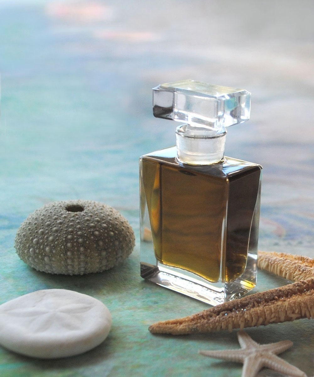 Green Witch Natural Perfume - Sea Chypre Fragrance - An Offering to Tethys, the Goddess of the Sea - Organic Perfume - IlluminatedPerfume