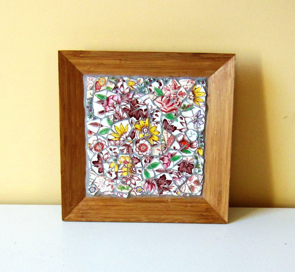 Mosaic Flowered Wooden Plate - ReclaimedDesigns