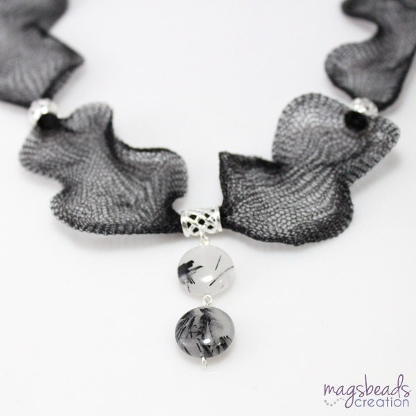 Black and White Wire Mesh Necklace