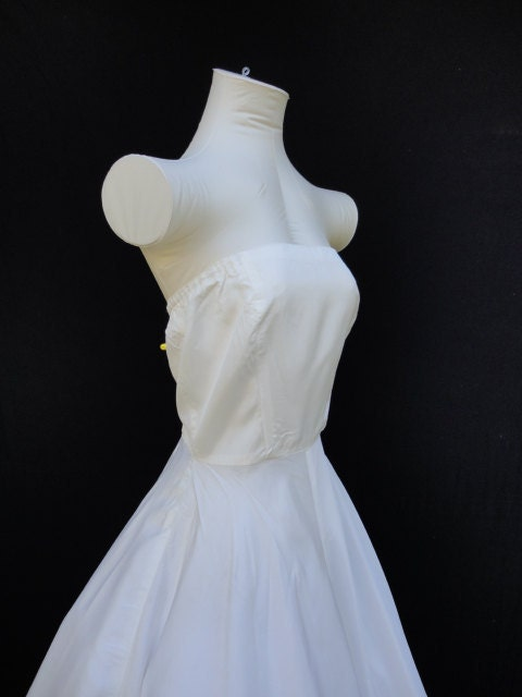 Wedding Dress Vintage 50s Wedding Dress Satin Strapless 34 bust metal side