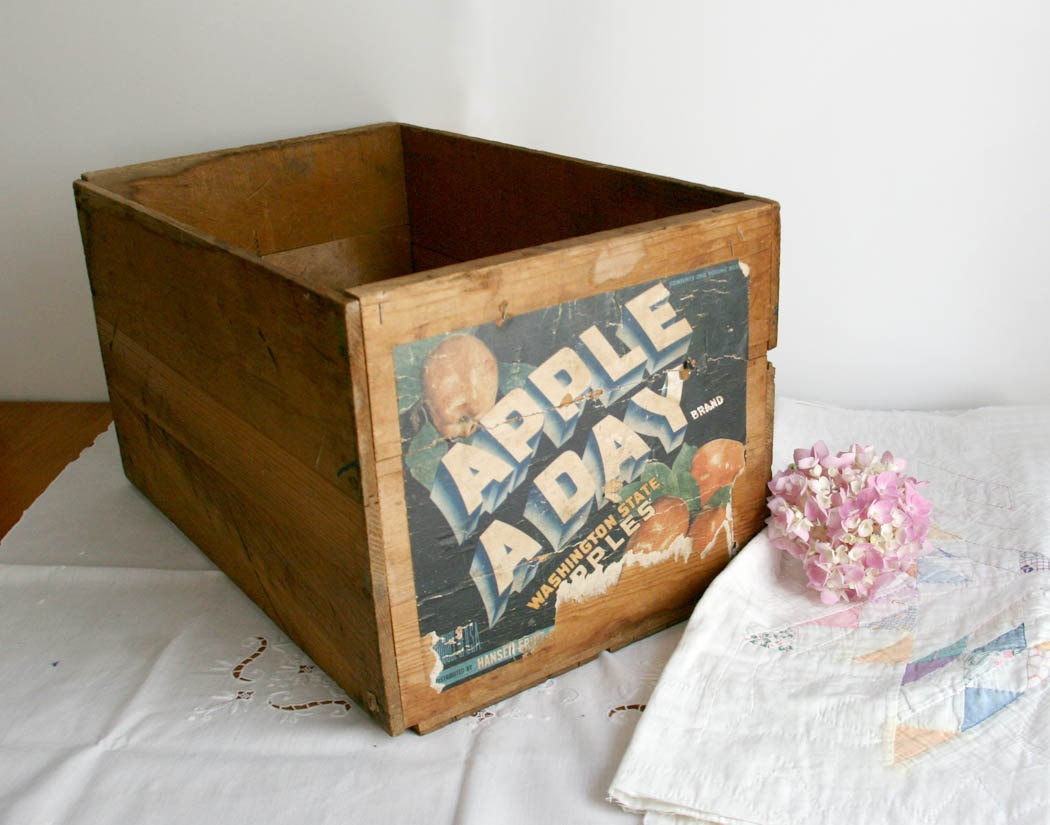 Vintage apple crate wooden washington apples by for Vintage apple boxes