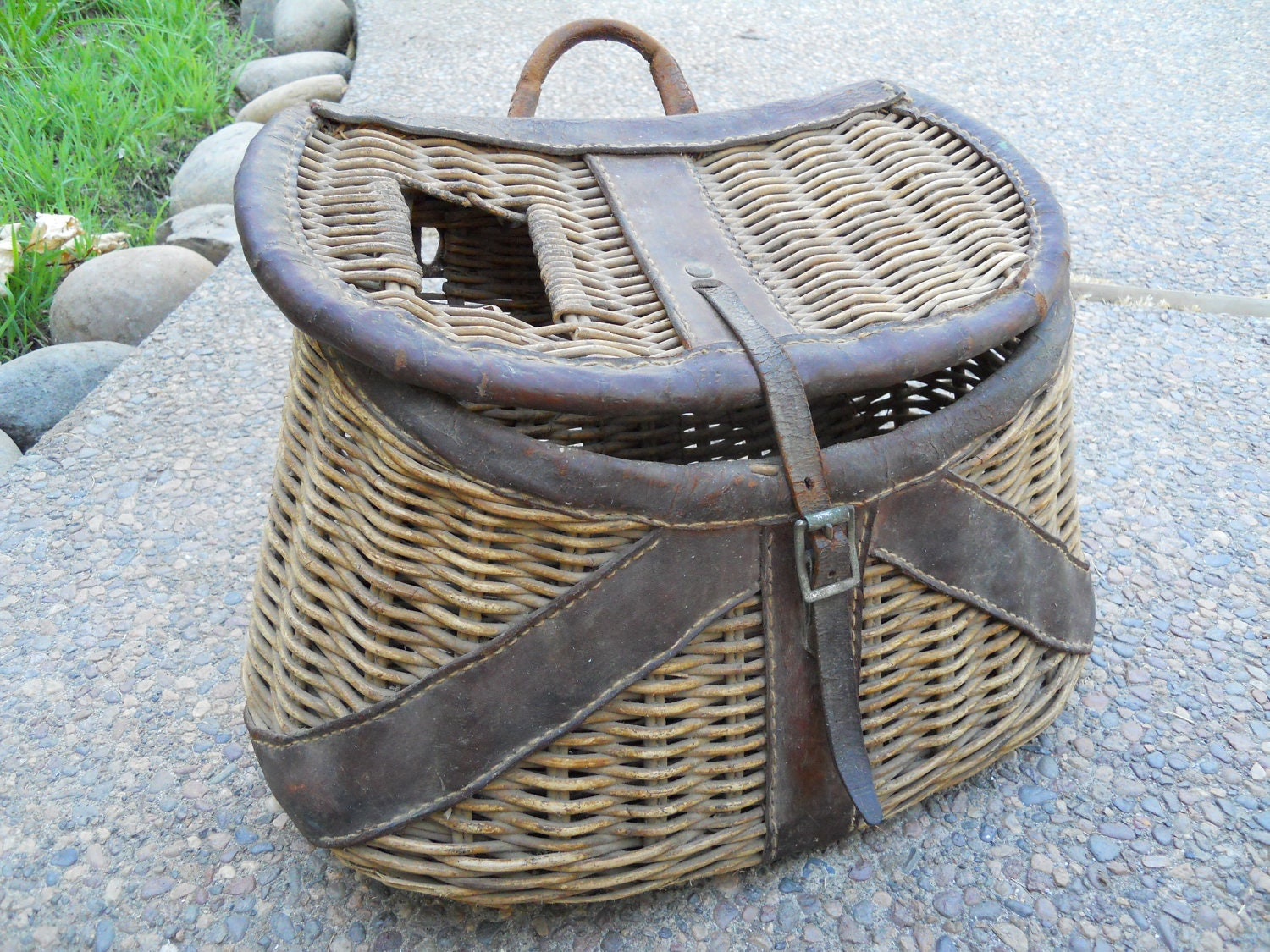 Sale antique fly fishing creel basket by opheliasvintageattic for Fishing creel basket