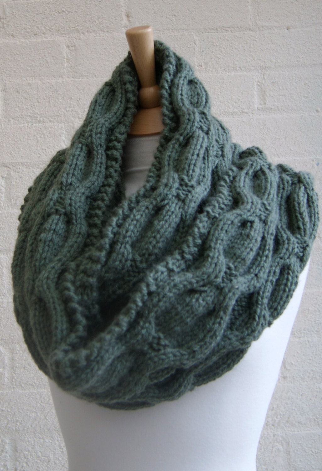 Cable Knit Infinity Scarf Pattern : Items similar to Chunky Knit Cable Infinity Scarf, Mens Scarf, Winter Sc...