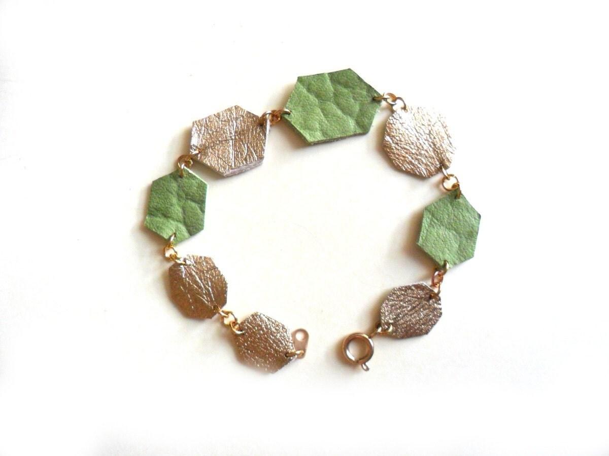 Emerald and gold diamond shapes leather bracelet - FushiaGold