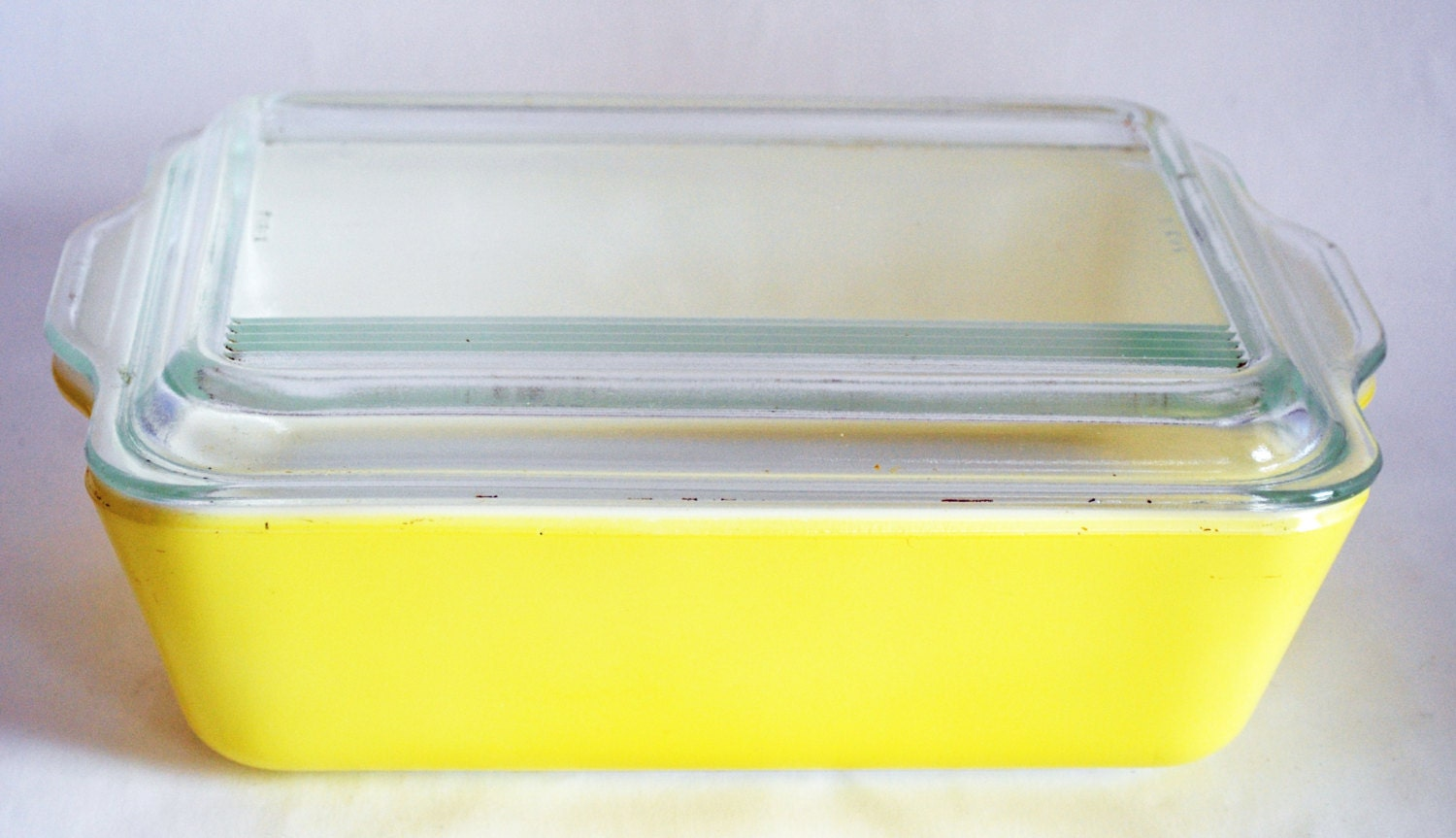 yellow pyrex refrigerator dish with lid by bornagainhomeaccents. Black Bedroom Furniture Sets. Home Design Ideas