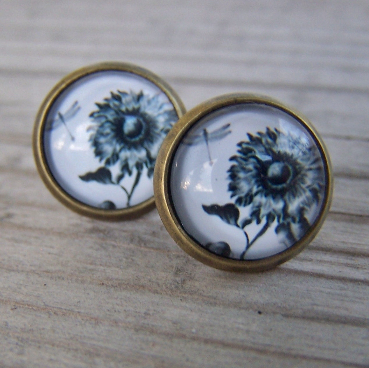 Glass Dome Earrings 12mm Black and White Flowers - gristmilldesigns