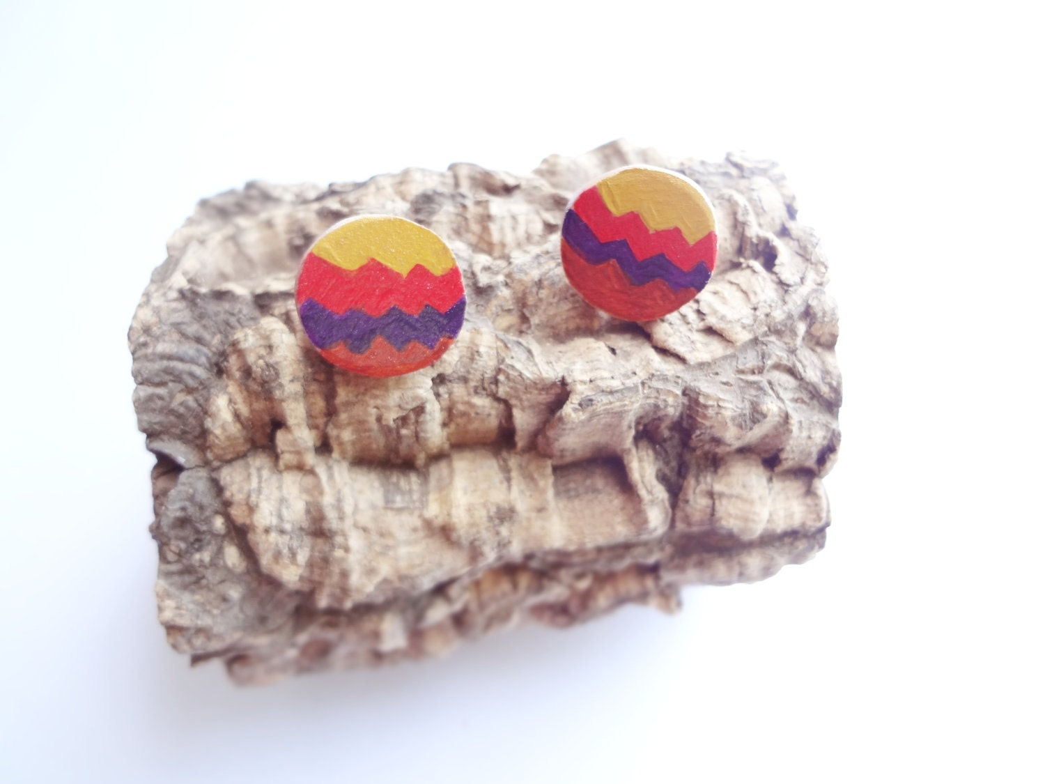 Back to 90s red red brown yellow purple geometric tribal wood earrings - thefrenchboheme