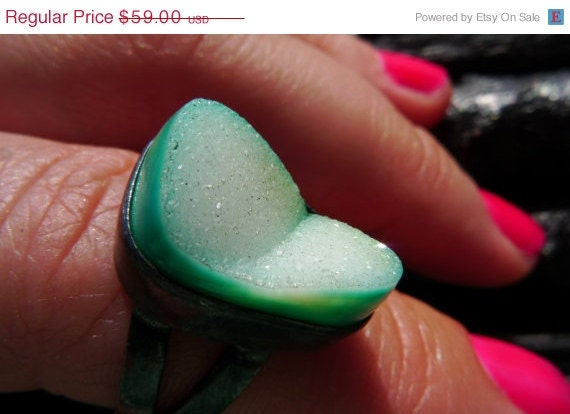ON SALE mint green druzy ring Brazilian jewelry by BeijoFlor from etsy.com