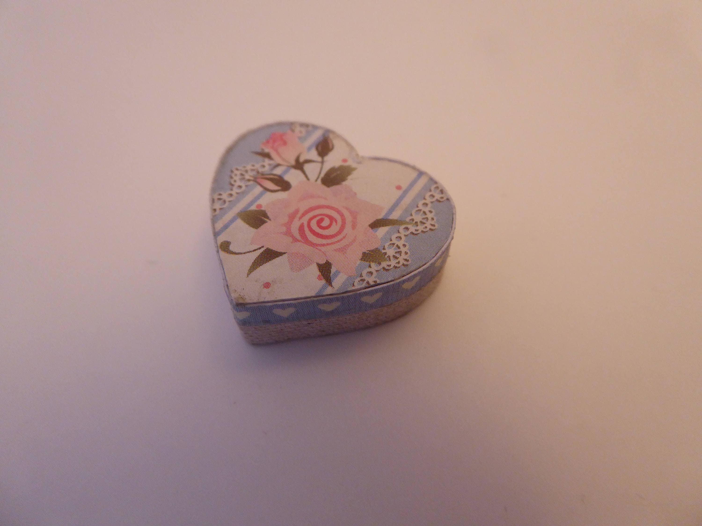 Handmade miniature heart shaped gift box for the shabby chic dolls house