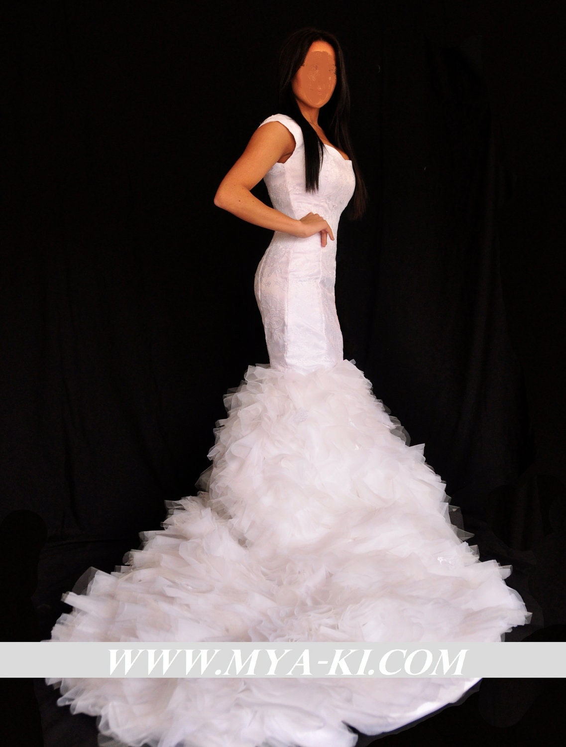 Kim Kardashian Mermaid Wedding Dress Replica 35