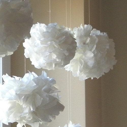 10 Tissue Paper Pom Poms white - PomPomPlay