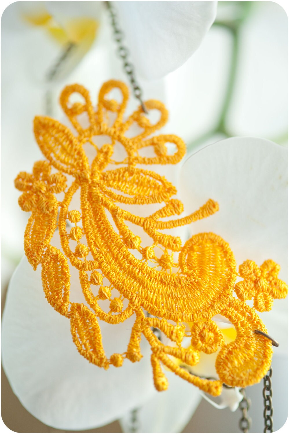 Lace Necklace in Yellow ((WOODSTOCK)) - eightcranes
