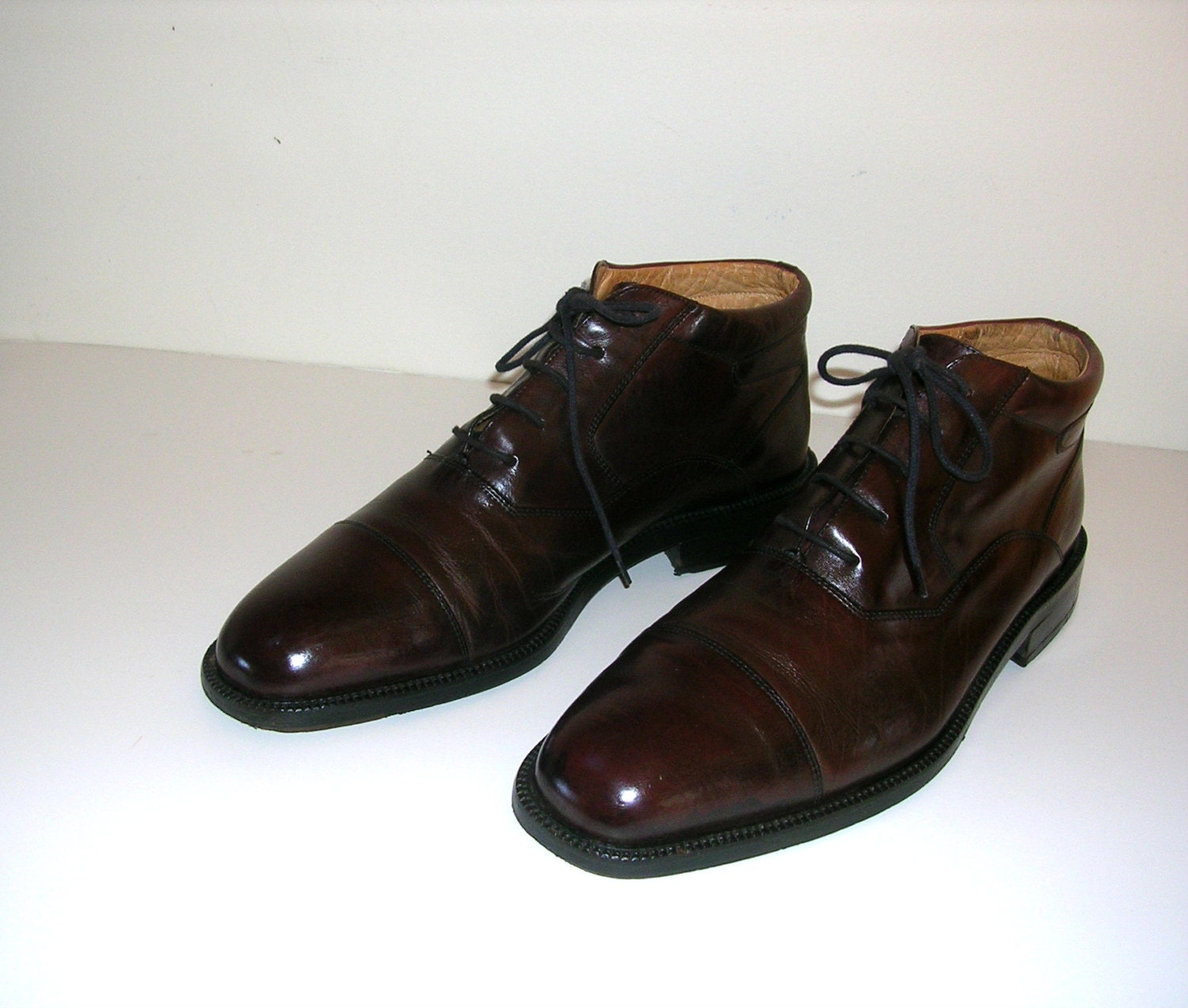 Johnson & Murphy 8 1/2 M Refurbished Vintage Brown Leather Shoes Ankle Cap Toe Boots Great Syle Wonderful Condition Best High Quality - Insideredo