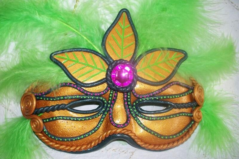 Wall Hanging Halloween / Mardi Gra Mask - RFColorfulCreations