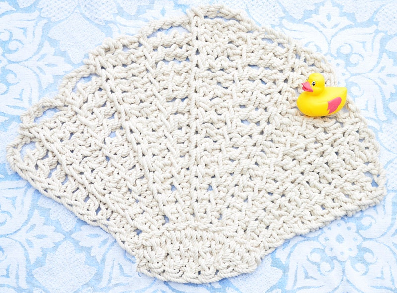 Scallop seashell rug bath mat rope rug by twistedthreadandhook for Rope bath mat