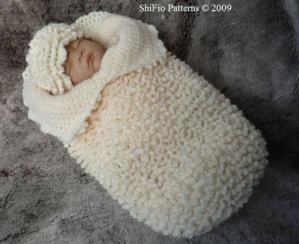 Crochet Pattern For Baby Ruffled Cocoon Papoose Hat by shifio