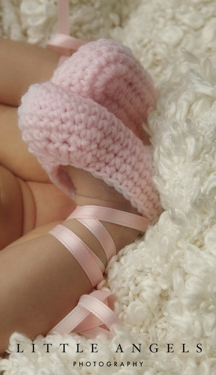 Crochet Baby Ballet Shoes Pattern : Ballet Slippers Pointe Shoes Crochet Booties by SunsetCrochet