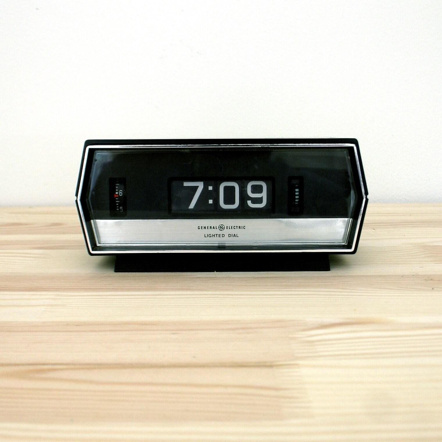 vintage ge lighted flip alarm clock by ethanollie on etsy. Black Bedroom Furniture Sets. Home Design Ideas